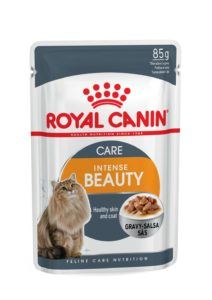 Intense beauty care in gravy pouch cat food