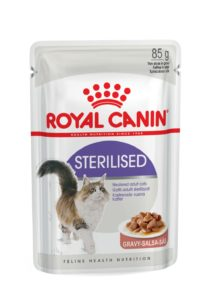 Sterilised in gravy pouch cat food